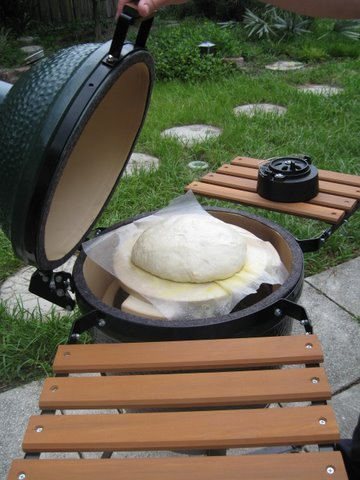 baking no-knead bread in a kamado oven, Big Green Egg