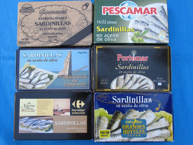 cans of sardines, latas de sardinillas