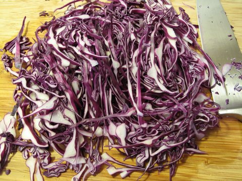 red cabbage, sliced fairly thin