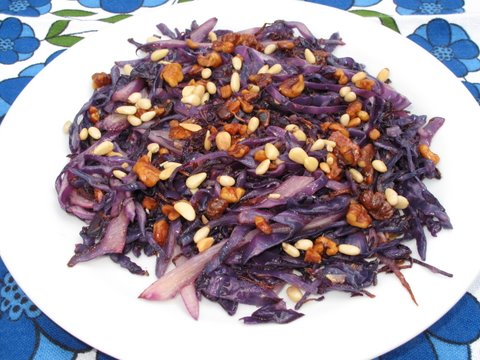 stir-fried red cabbage (lombarda) with toasted walnuts and pine nuts