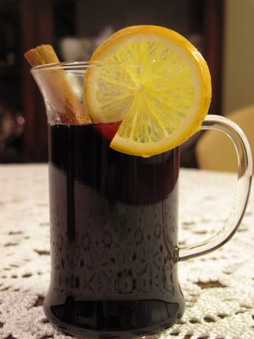 a cup of hot spiced wine (vino caliente)