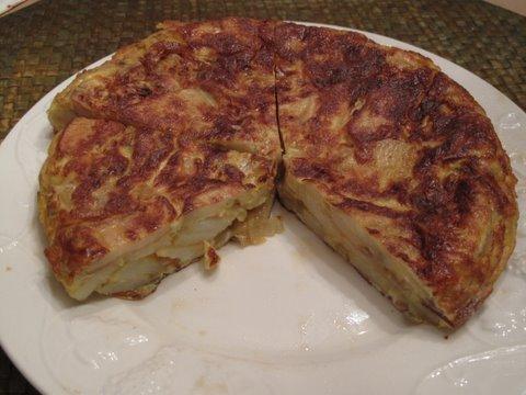 Spanish potato omelette, tortilla de patata, o tortilla española