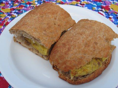 bocadillos de tortilla de patata, o tortilla  española, Spanish potato omelette sandwiches