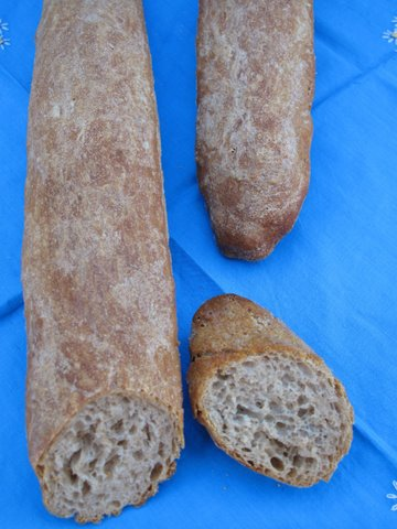 baguette style loaves, or pan de barra