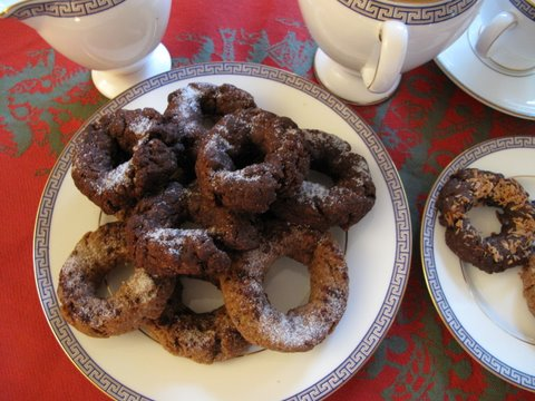rosquillas, cinnamon and chocolate
