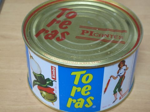 a cool retro tin of banderillas