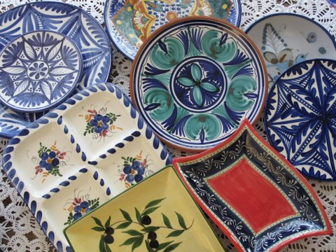 Spain has a rich tradition of ceramic arts. The most famous ex&le is probably the beautiful tile used on walls all over the country & Spanish Ceramics Cerámica de España - Simple Spanish Food