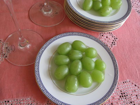 twelve grapes, doce uvas, for New Year's Eve
