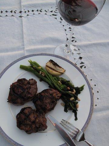 grilled lamb chops, chuletas de cordero a la brasa, o a la parrilla