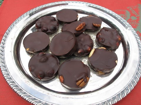 tortitas de chocolate, chocolate covered nuts