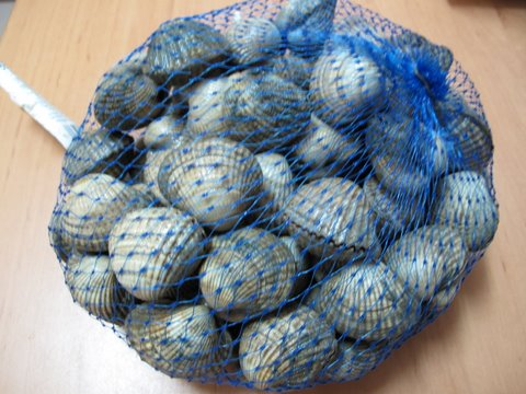 a bag of cockles, berberechos