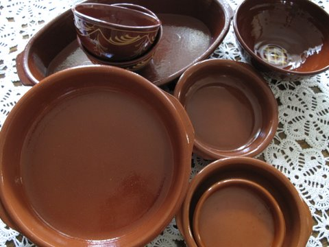 cazuelas de barro, Spanish style earthenware, terra cotta, clay