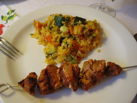 pincho moruno, A Spanish shish kebab, served as a main course