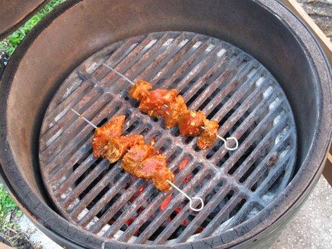 grilling pinchos morunos