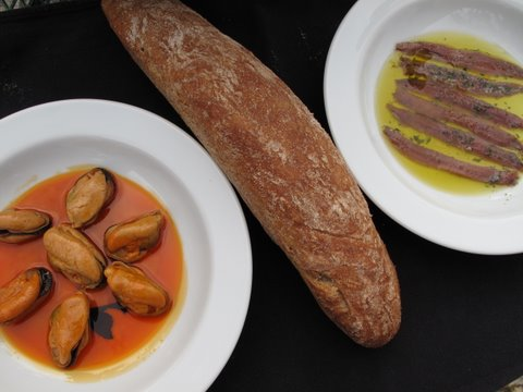 instant tapas party: Spanish mussels in escabeche, good bread, and anchovy fillets