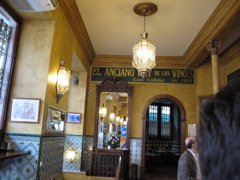 El Anciano Rey de los Vinos, a Madrid bar that serves an old fashioned sweet wine