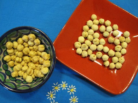 different types of toasted garbanzos