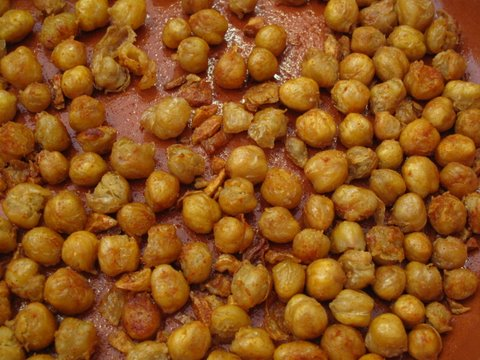a tapa of garbanzos fritas, fried chickpeas