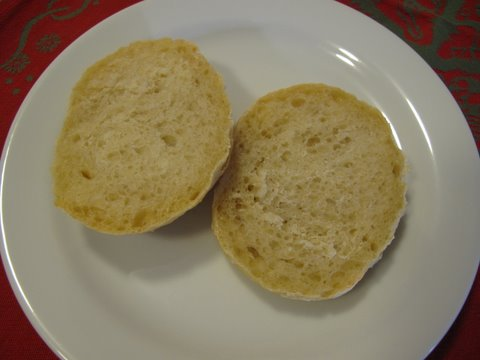 bollitos cortados, sliced rolls