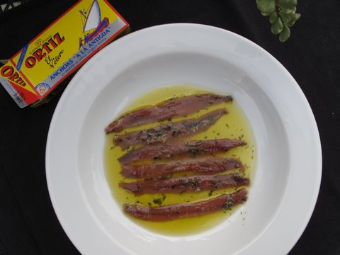 Ortiz anchoas a la antigua, ready for tapas
